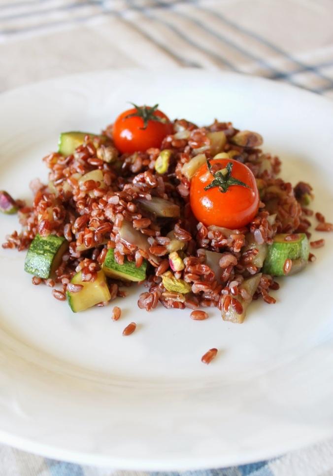 insalta+di+riso+rosso+con+verdure+e+pistacchi+%284%29