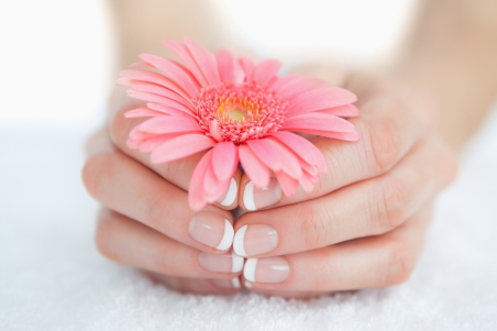 french-manicure-with-short-nails